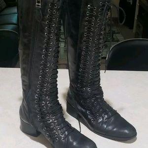 Pour La Victoire Women's leather Cairo Boots Black